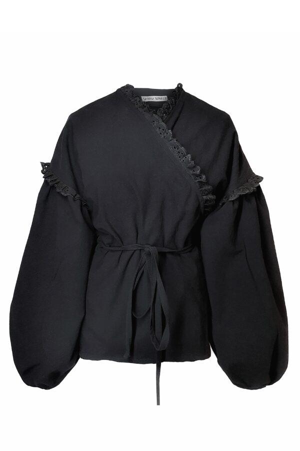 BEATE – BLACK SHIRT